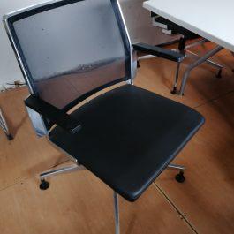 Dynamobil DIS5180 Mesh Meeting Chair