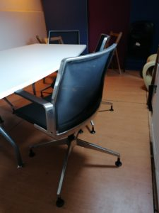 Dynamobil DIS5180 Mesh Meeting Chair