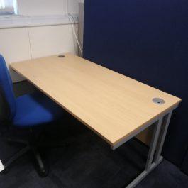 1400mm Cantilever Desk – Beech